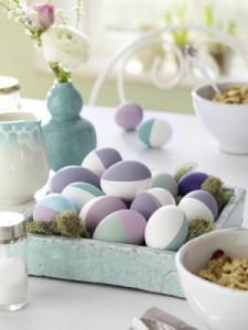 Красим яйца половинками