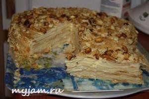 Торт Наполеон в разрезе