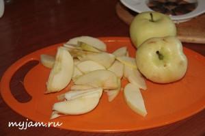 Как порезать яблоки для шарлотки