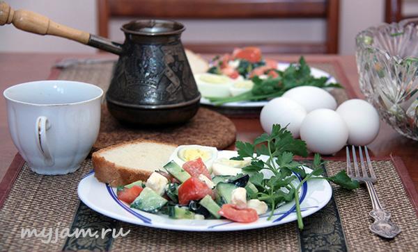завтрак_яйцо_кофе_салат