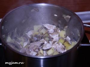 грибы-лук-картофель-курица-обжарка