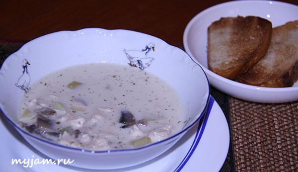 сырный суп с тостами