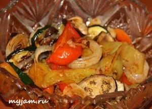 теплый салат из овощей-гриль