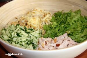 ингредиенты для салата с омлетной лентой