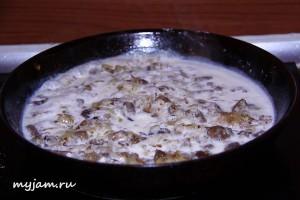 грибы в сливках
