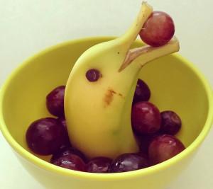 дельфин из банана