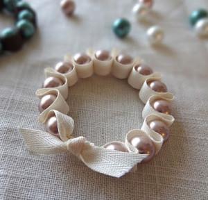 кольцо для салфеток из бусин