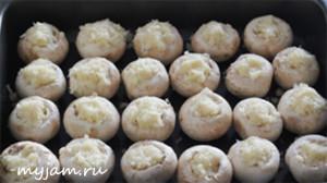 Фаршированные шампиньоны картофелем