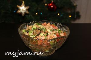 Вкусный салат из креветок и авокадо