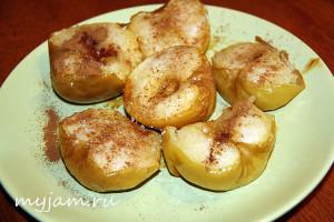 Печем яблоки в духовке